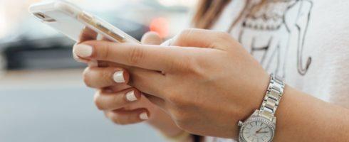 Junge Menschen bis zu 70 Stunden pro Woche online – Fluch oder Segen für die Arbeitswelt?